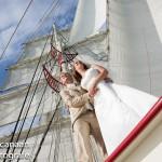 Twee vaarkaarten voor bruidspaar op trouwschip Bounty